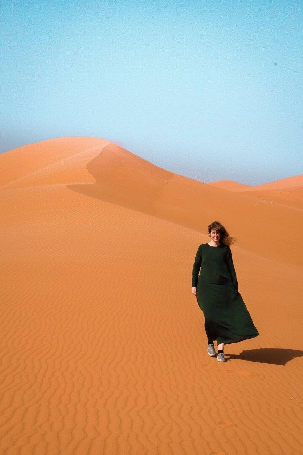 Alleen op reis in de woestijn